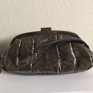 Clutch/ wristlet purse